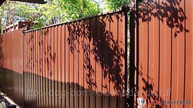 Забор из металлопрофиля дизайн
